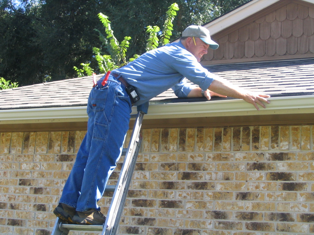 Plumbing Tips That Will Greatly Help You Out gutter-installation-fishers-carmel-cicero-noblesville-in-indiana